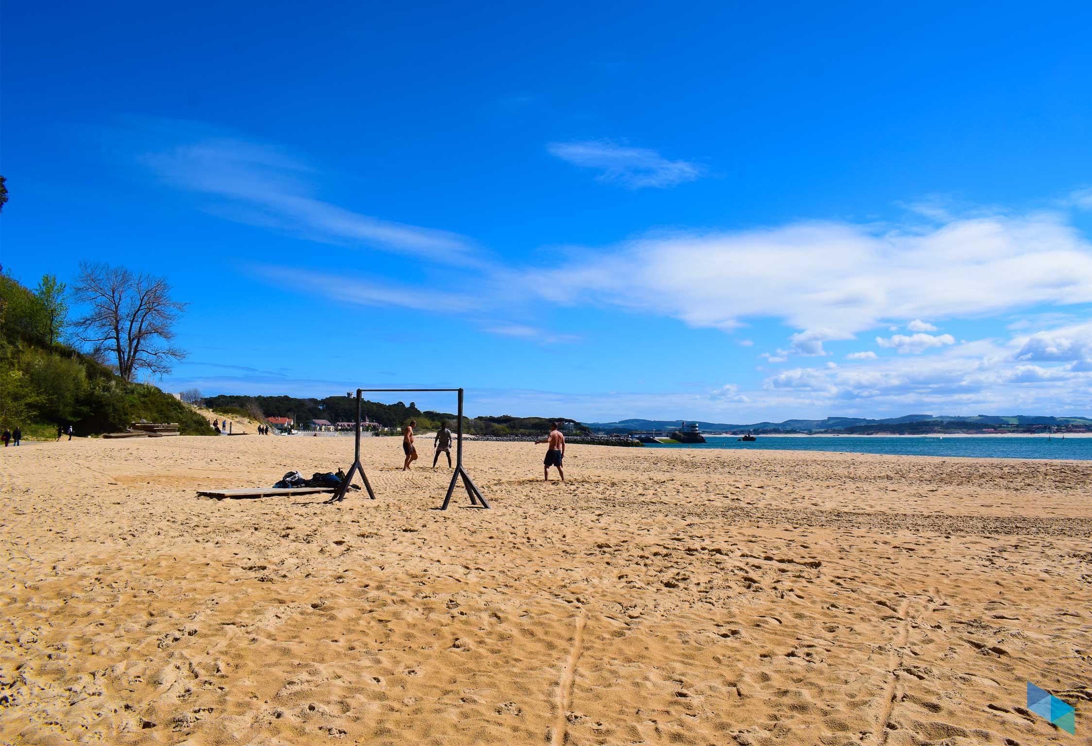 En la playa de los Peligros de Santander