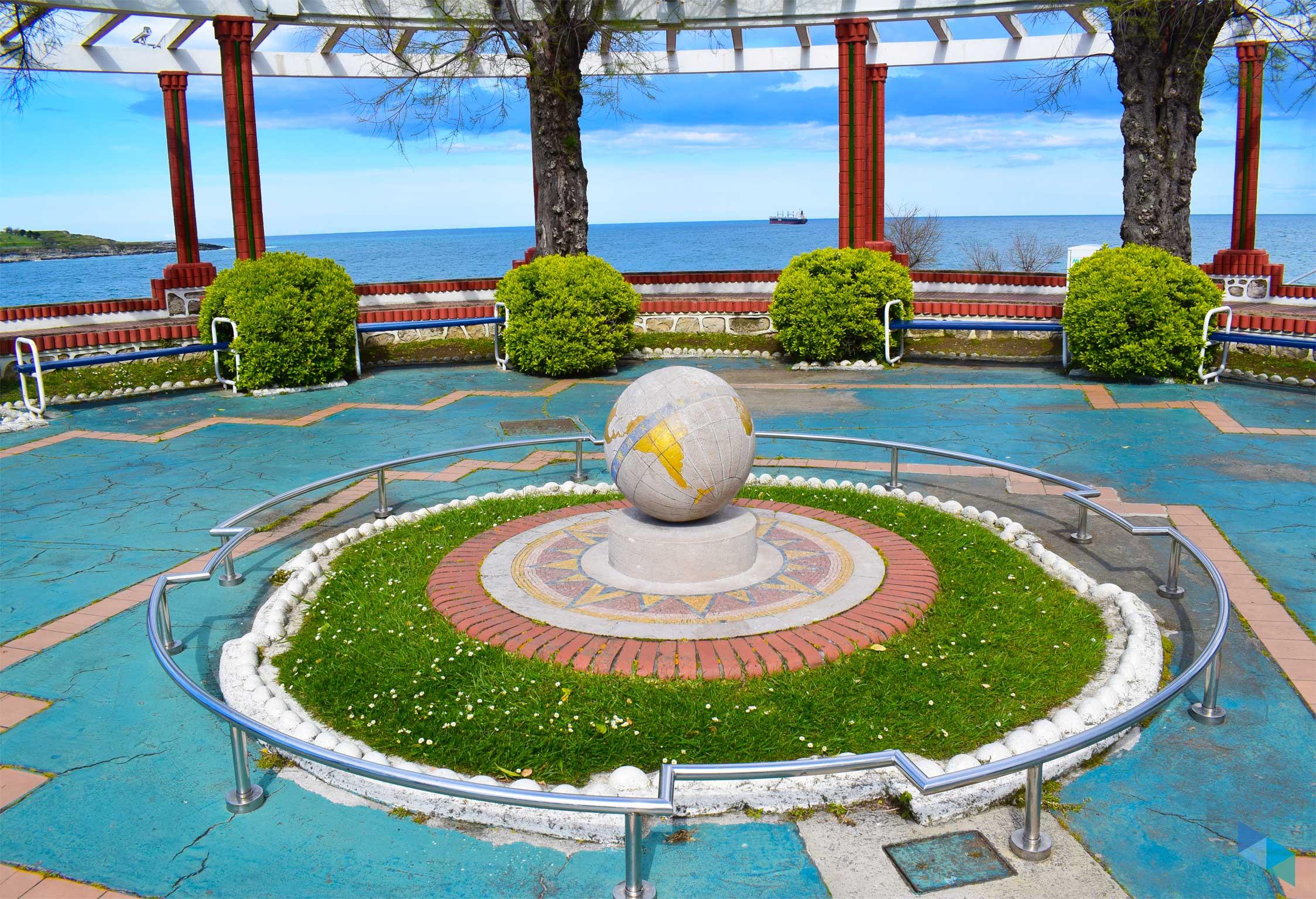 Los Jardines de Piquío vistas monumento