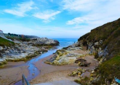 Playa de la Virgen del Mar con marea baja