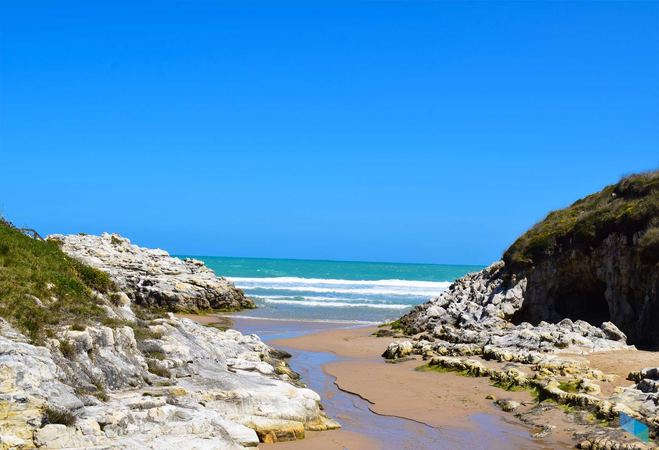 Playa de la Virgen del Mar de frente