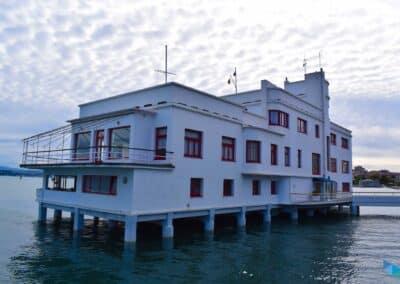 Club Marítimo nublado