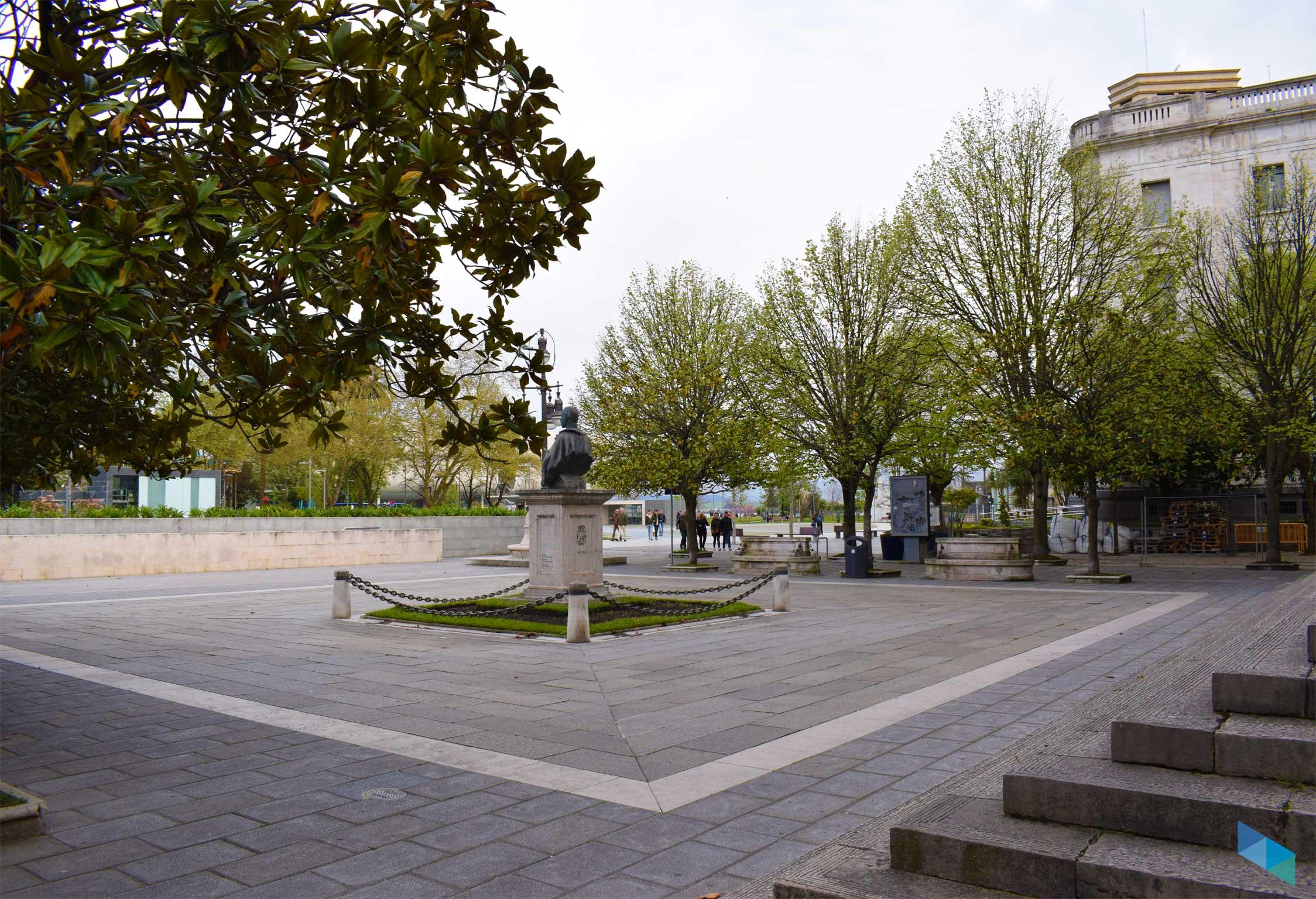 Plaza de Alfonso XIII desde detras
