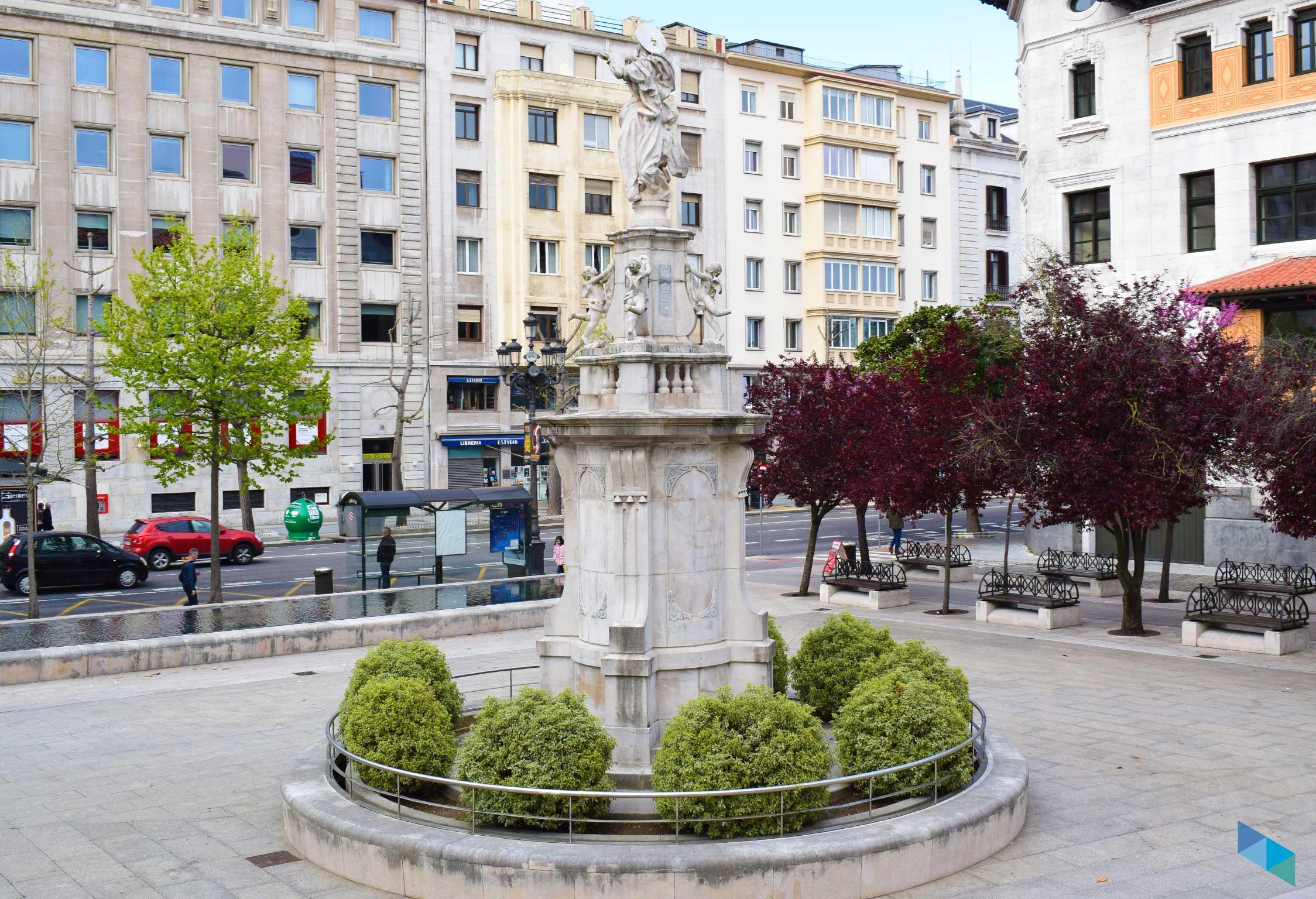 Plaza de las Atarazanas desde atras