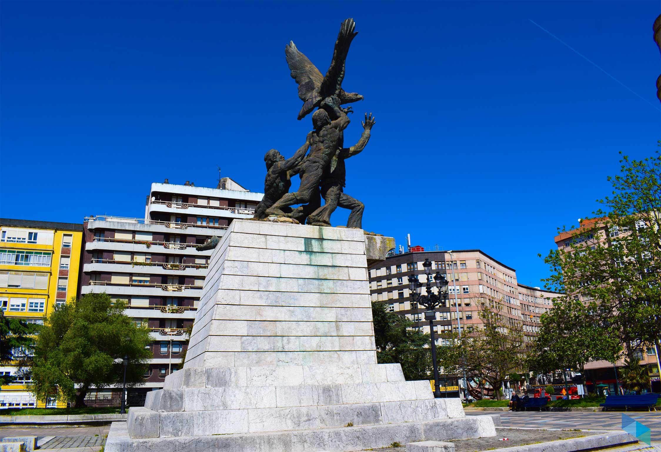 Plaza de Méjico estatua de cerca