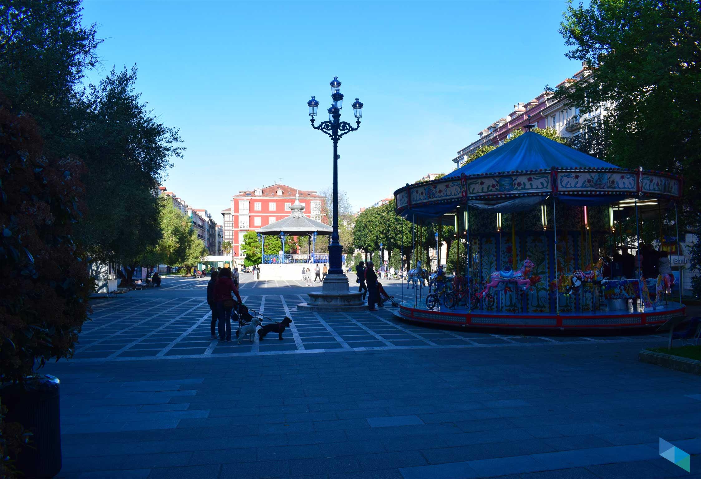 Plaza de Pombo sombre