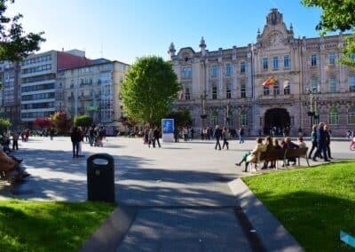 Plaza del Ayuntamiento de día