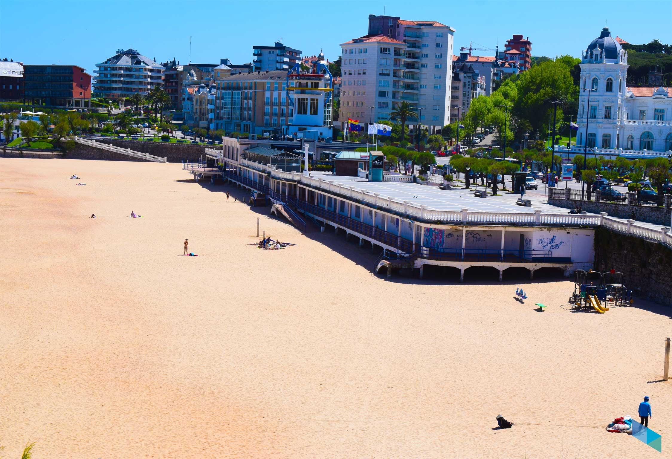 Primera Playa del Sardinero hacia el casino del Sardi